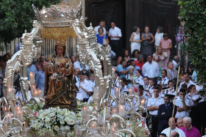 Actual Actual Málaga se engalana para acompañar a la Victoria